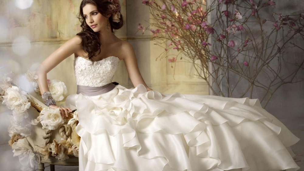 dd2847ca04497 Daha evlilik teklifini dahi almadan, hatta küçük yaşlardan itibaren  gelinlik hayalleri içerisinde olduğunuzu tahmin edebiliyoruz.